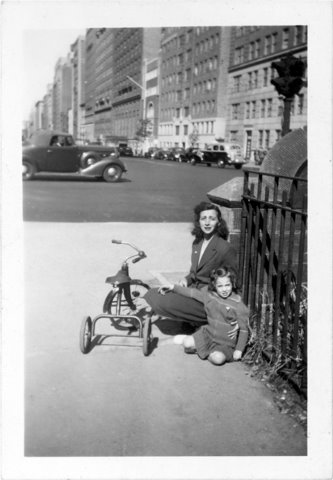 Alix with her mother in the 1940s